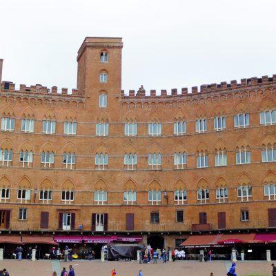 Siena, Palazzo Sansedoni